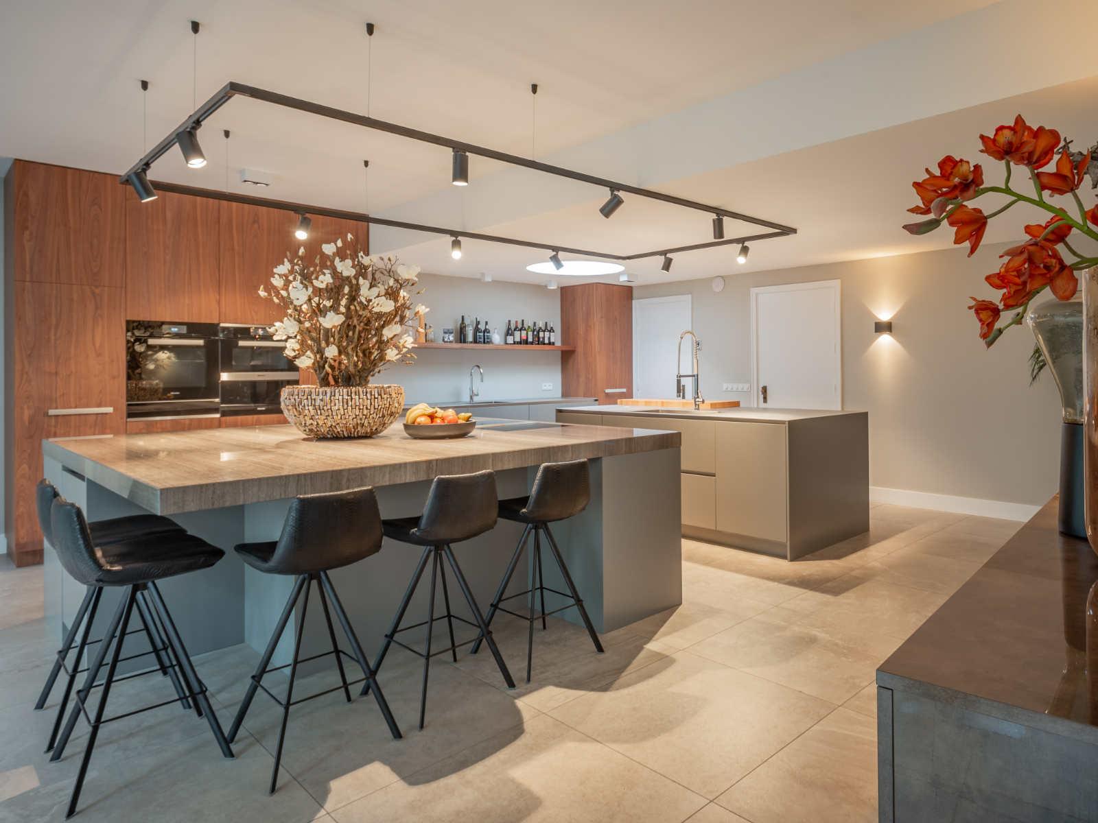 17101 Van Van Voort keuken compleet 1600-1200